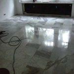 Teppichkleber entfernt und anschließend Kristallisiert
